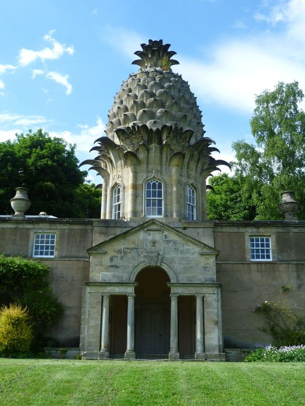 dunmore_pineapple_dunmore_park_near_airth